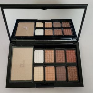 NEW!  Doucce Freematic PRO Palette Nude